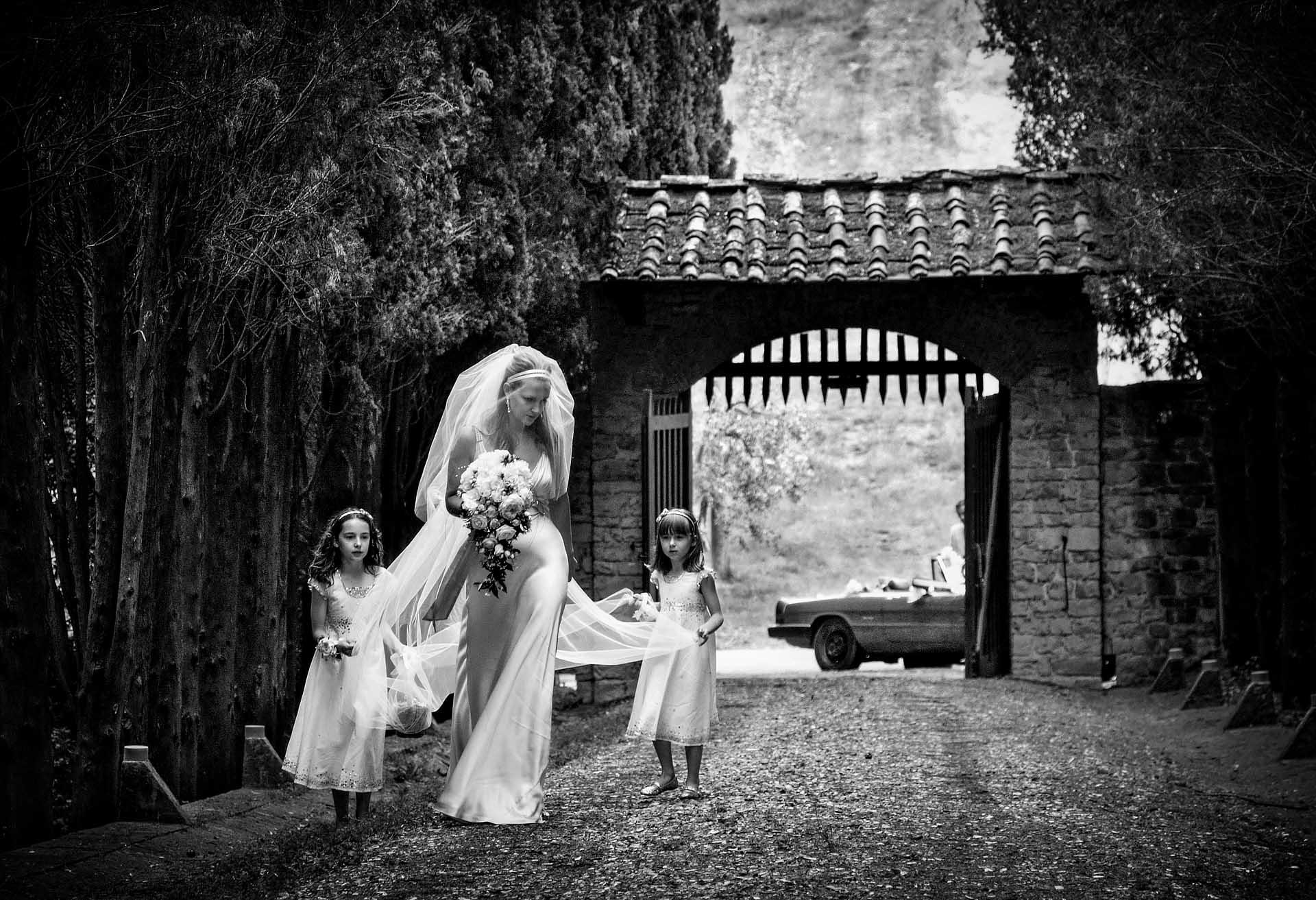 destination-wedding-best bride in Tuscanyrt